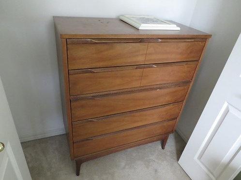 Dixie Mid Century Modern dresser, vg condition