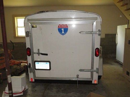 5' x 8' covered trailer excellent condition