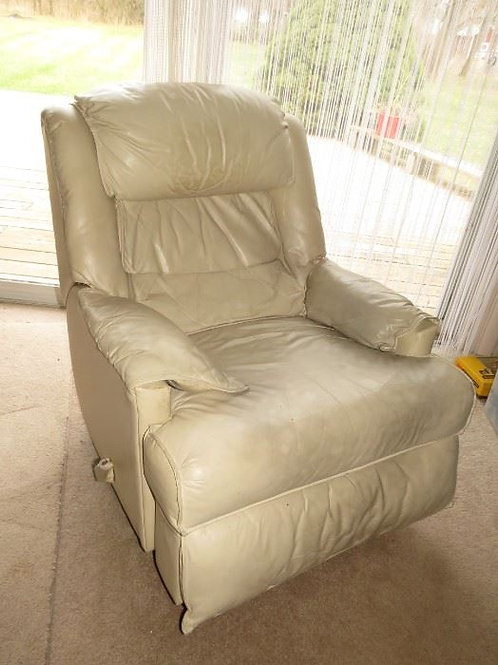 Leather recliner vg condition