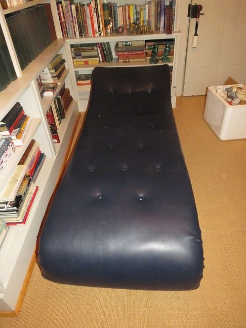 6' black Naugahyde settee psychiatrist couch, excellent condition.