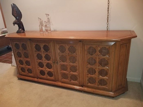 """Drexel Heritage MCM stereo console Motorola 77"""" x 31"""" tall, excellent condition"""