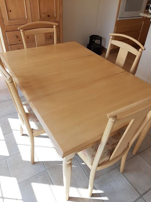 Maple dining room table & chairs 6' excellent condition