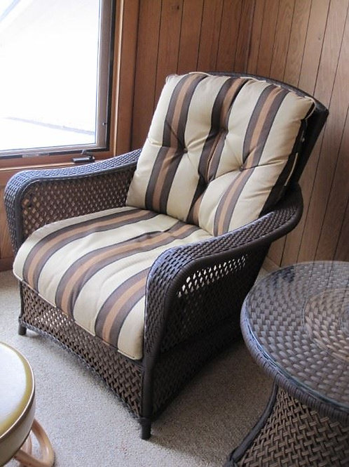 """Wicker chair in VG condition 32"""" w and 30"""" d"""