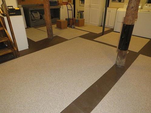 """4.5' x 8"""" indoor outdoor carpet like new"""