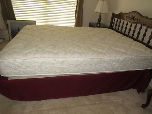 Queen Mattress and box springs vg condition