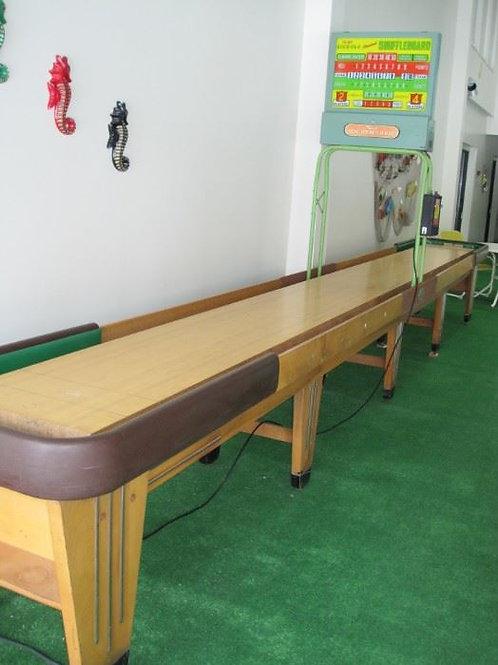 Vintage 20 rock ola shuffleboard table VG condition
