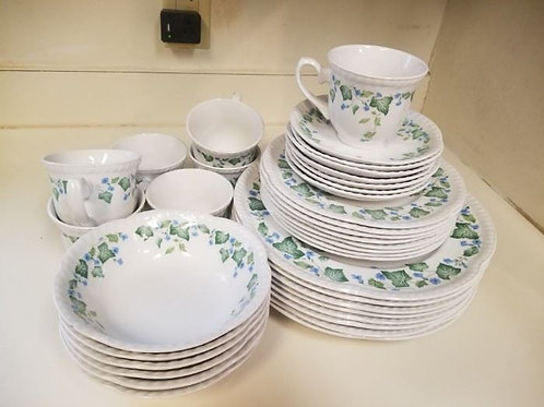 Johnson brothers vintage ivy service for 8