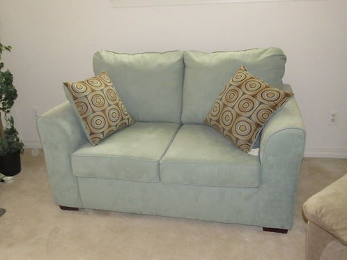 Green Loveseat VG condition