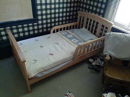 Toddler Bed - Excellent Condition