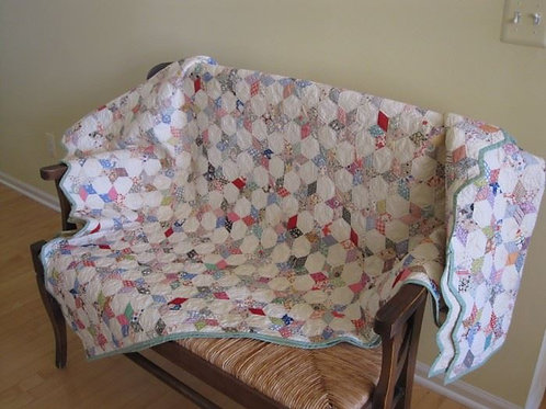 """Vintage quilt scalloped edge hand stitched 84 x 76"""""""
