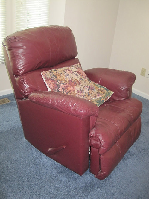 Lazyboy leather Recliner VG condition