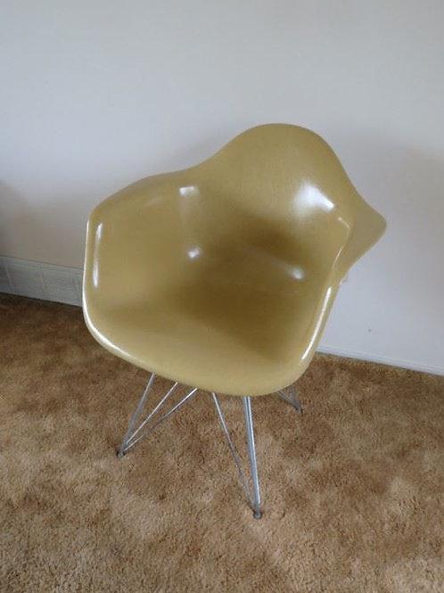 Herman Miller Eiffel Tower Scoop Chair
