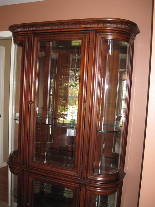 Solid Maple China Hutch, excellent condition