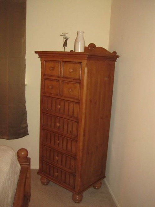 Solid Maple Lingerie Chest, excellent condition