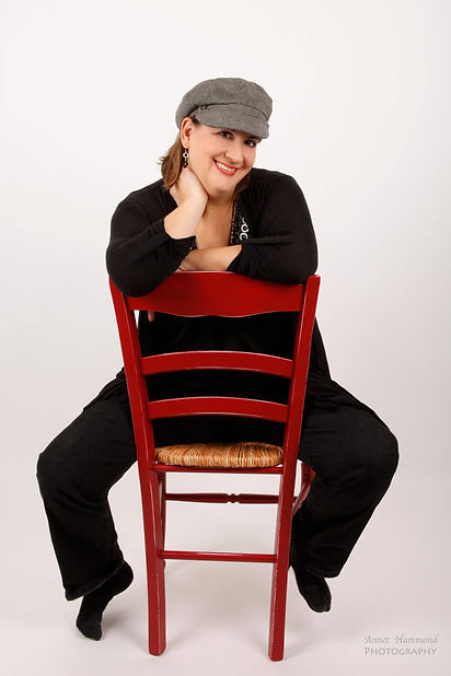 Jennifer Fosberry Headshot seated Compre