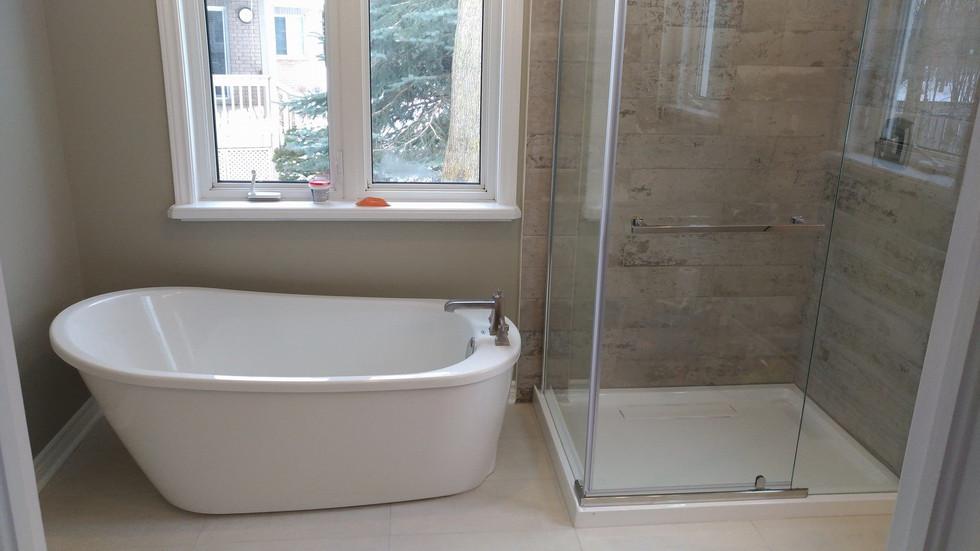 freestanging maax tub