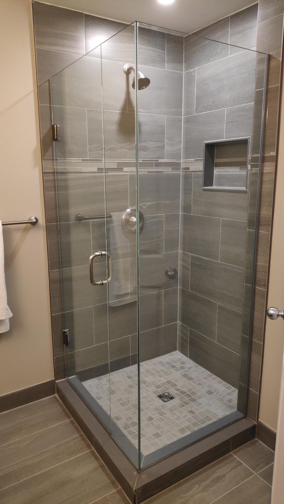 Horseshoe highlands shower