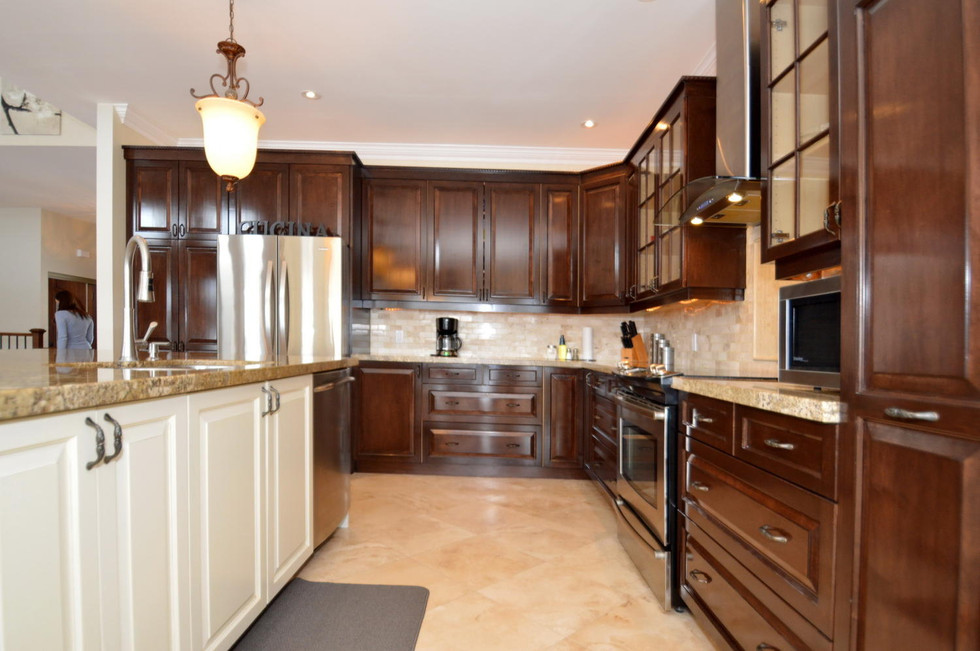 Triditional Raised panel kitchen