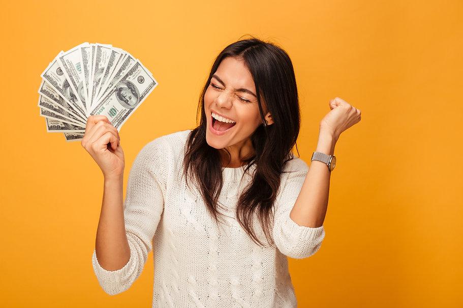 girl_holding_cash.jpg