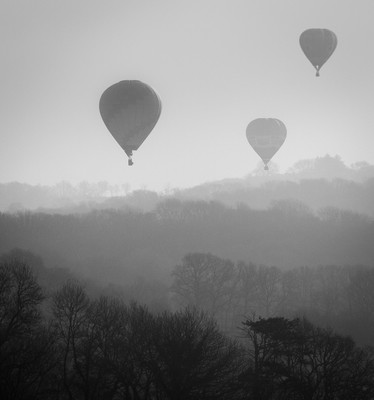 Balloons over Llandeilo by David Anthony SCORE:16