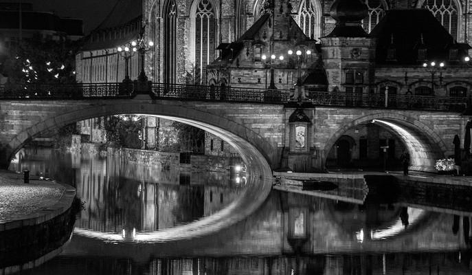 Ghent by night Graham Davies SCORE:16