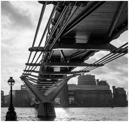 Under the Millenium Bridge by Mike Marnell SCORE:14