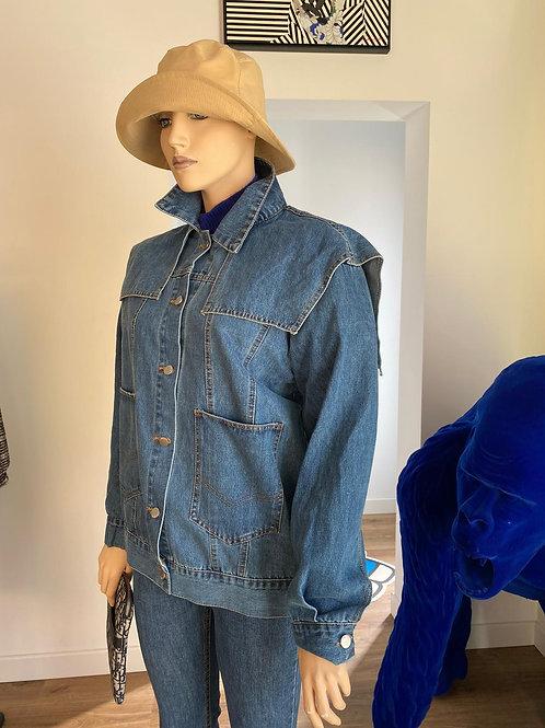 Veste en jean avec col et ceinture pochette