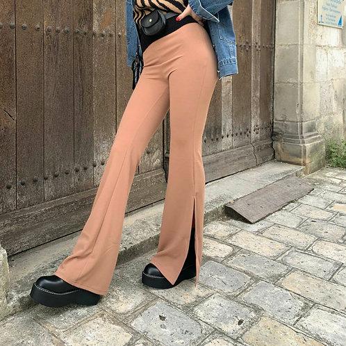 Pantalon taupe coupe évasée taille