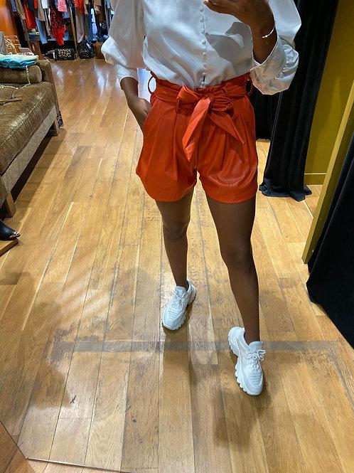 Short simili cuir orange