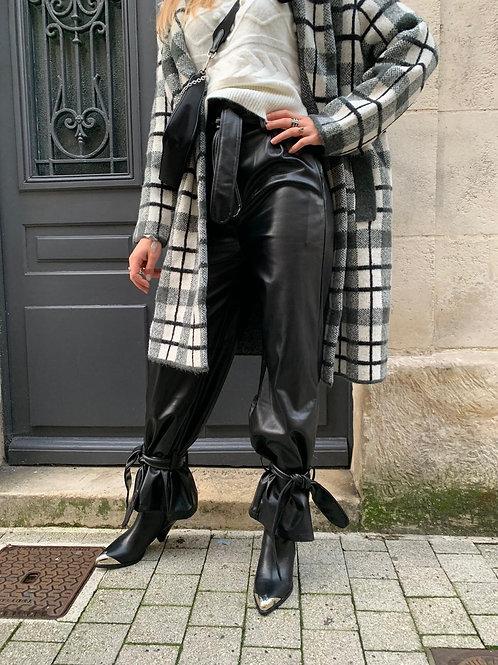 Pantalon simili loose avec noeud en bas