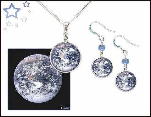 Earth Pendant Gift Set