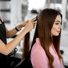 H_hair_styling_women_combing_LF_HR.jpg