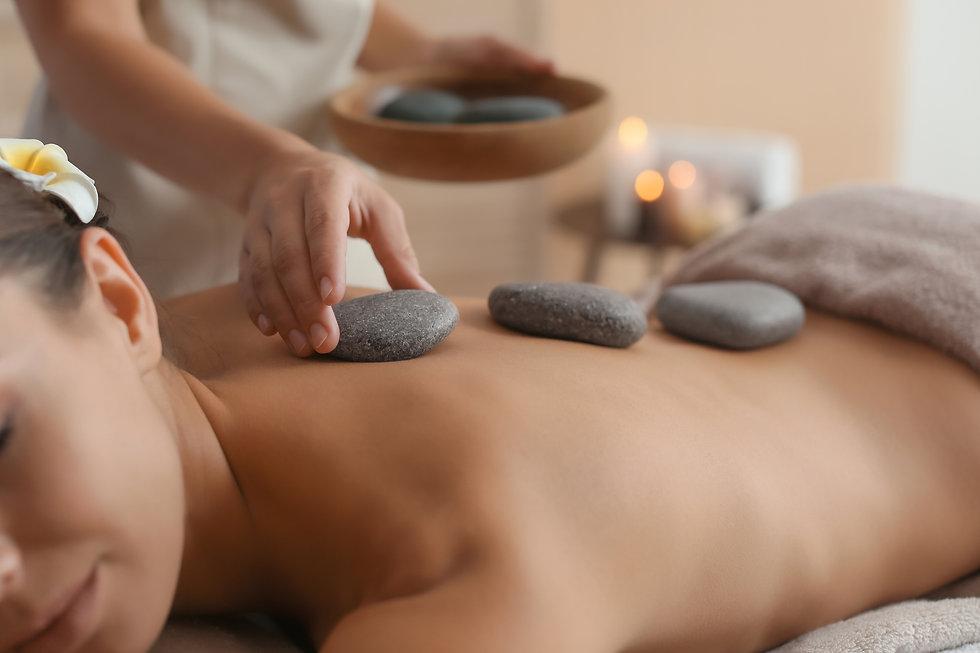 M_hot_stone_massage_woman_LF_HR.jpg