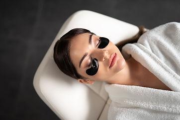 F_facial_woman_eye_treatment_robes_LF_HR