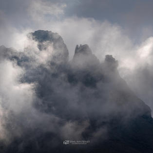 Tschingellochdihorn im Nebel