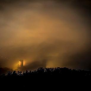 Schloss im Nebel 1