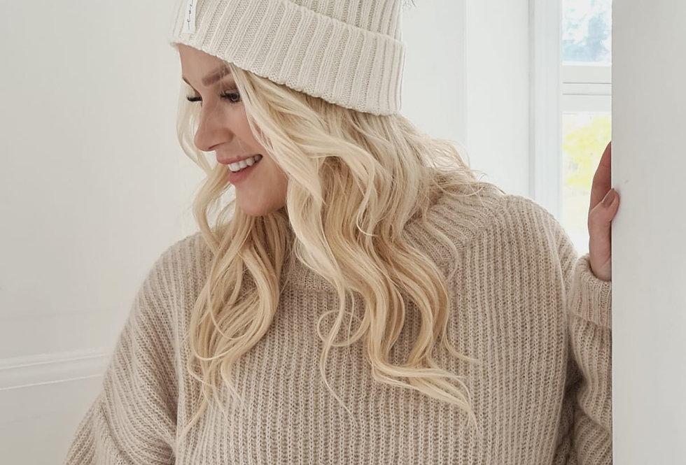 Pompom Beanie white - coole Wollmütze mit weissem Puschel