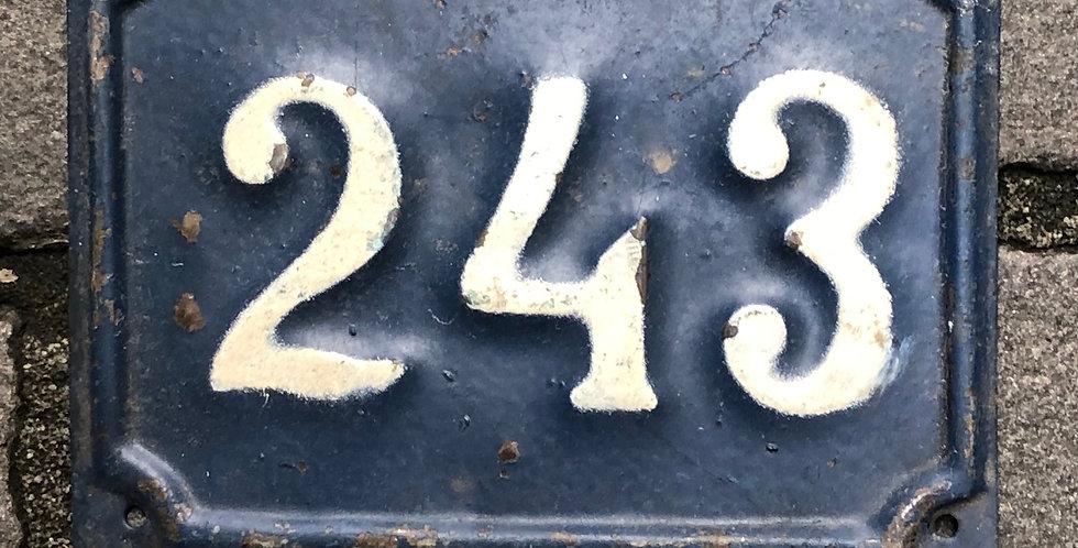 Vintage Nummer 243