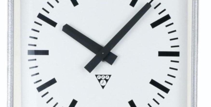 Pragotron C301 Clock