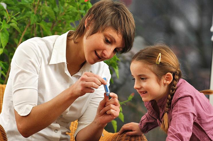 Medicina de familia, homeopatía, acupuntura, terapia neural, pilates, fisioterapia, prosperidad