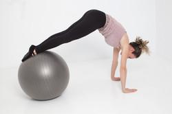 Marta Alegre pilates suelo fitball estiramiento prosperidad viso chamartin