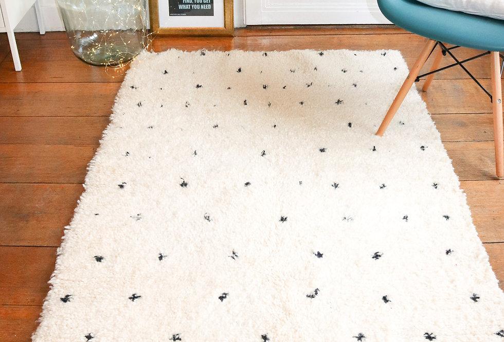 BAYA - Beni Ouarain black dots Berber rug 110x180cm