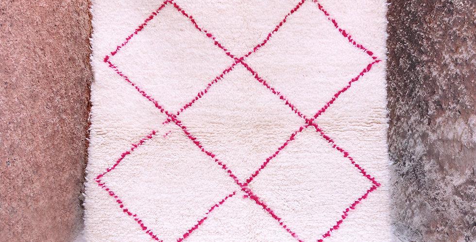 Tapis berbere Beni Ouarain blanc et rose en laine