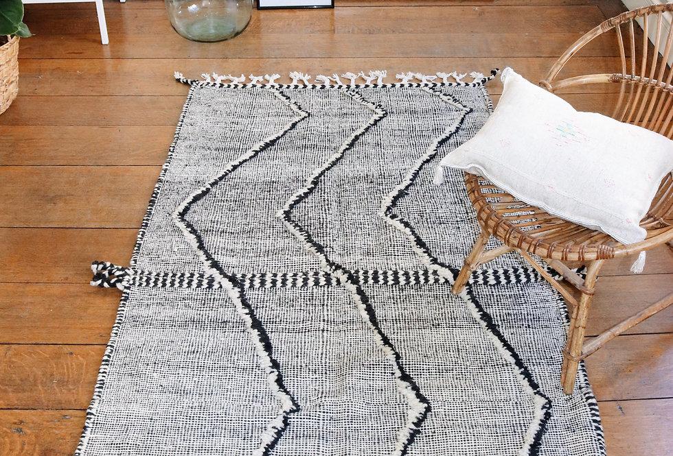 Tapis berbère noir et blanc en laine