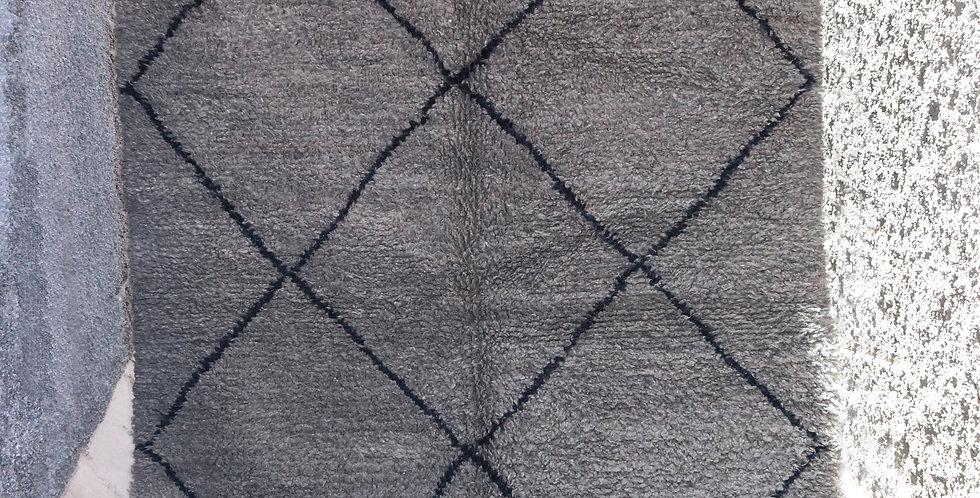 Tapis berbere gris avec lignes noires en laine