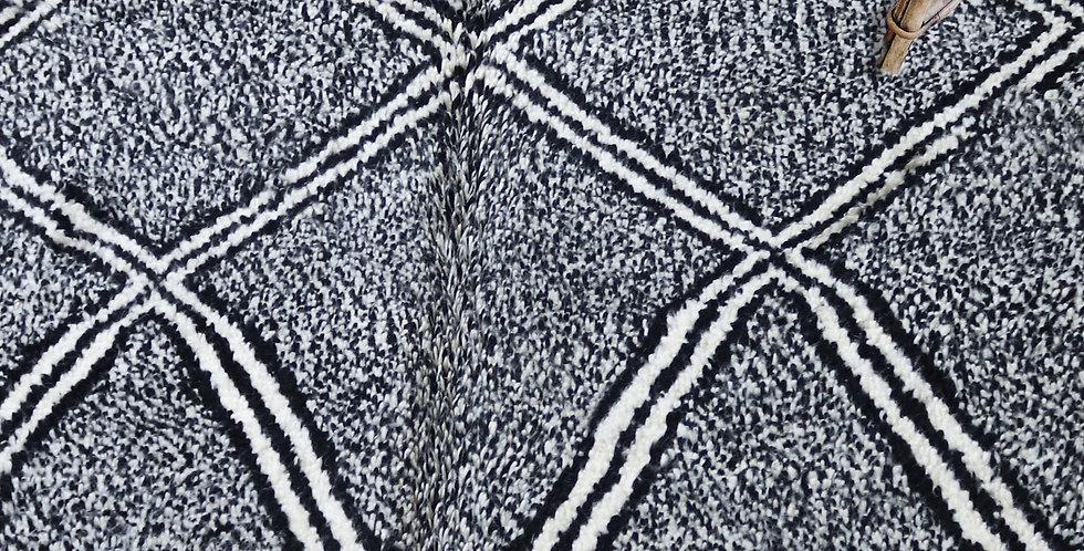 Tapis berbere Beni Ourain en laine noir et blanc
