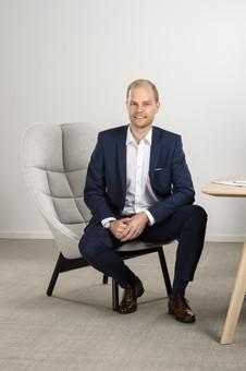 Happy to introduce: Julian Herr