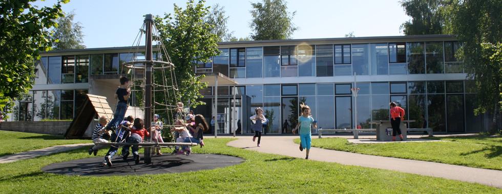 Die Dorfschule in Gutenswil (Kindergarten bis 3. Primarklasse)
