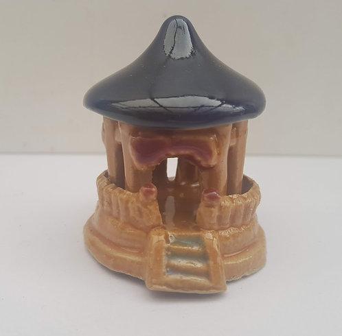 F54 Temple Figure