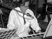 scuola di musica,scuola  musica reggio,leonardo pianobar musica dal vivo ,pianista,pianist,singer,cantante,cruise ship pianist,pianista di crociera,hotel piano bar,restaurant piano bar,